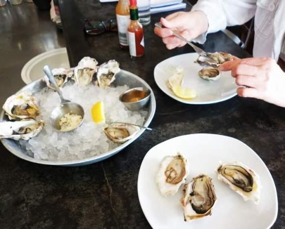 Oyster-Bar-2